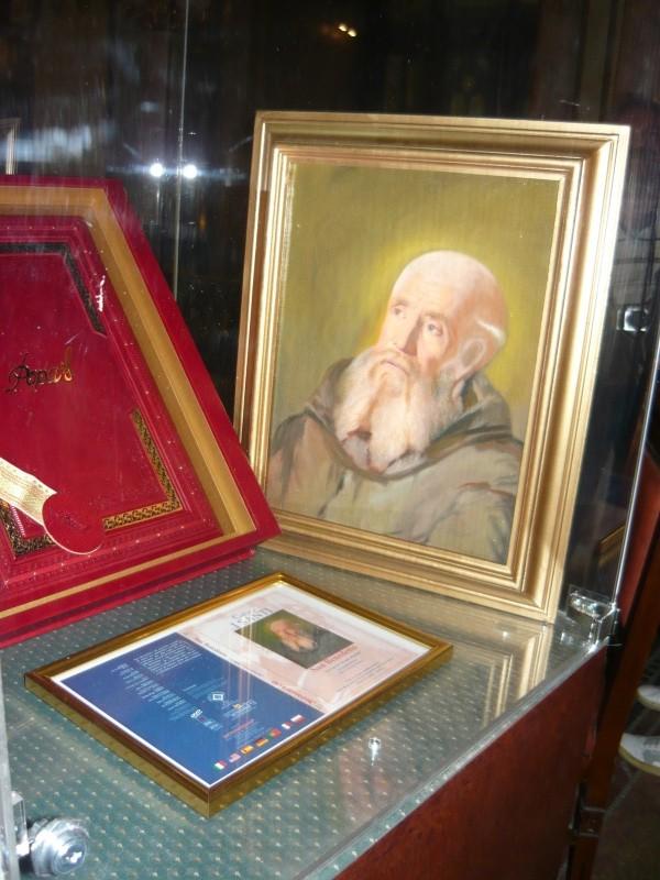 Pictură originală adusă de Popas din colecţia Vaticanului. Staţi liniştiţi, n-a furat-o...