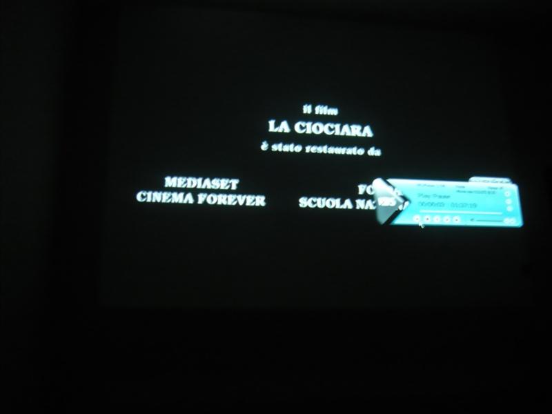 ...filmul începe!