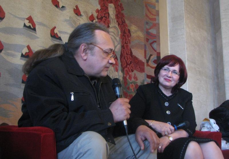 MLG mărturisindu-şi intenţiile scriitoriceşti de viitor (chestia cu romanul de dragoste)