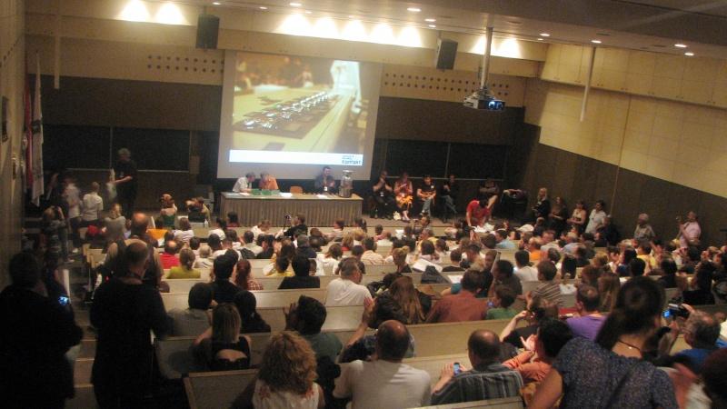 Festivitatea de premiere. Toţi părinţii copiilor croaţi premiaţi erau în sală.