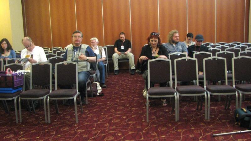 Primii sosiţi în sala de conferinţe a hotelului unde s-a ţinut ESFS General Meeting