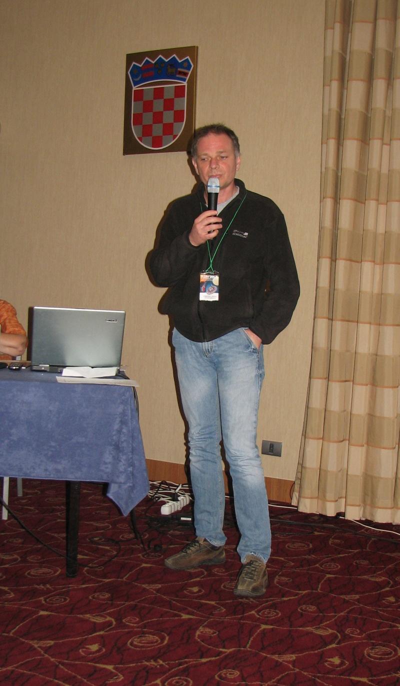 Cristian Mihail Teodorescu a făcut oficiile de prezentare a candidaţilor români pentru premii.