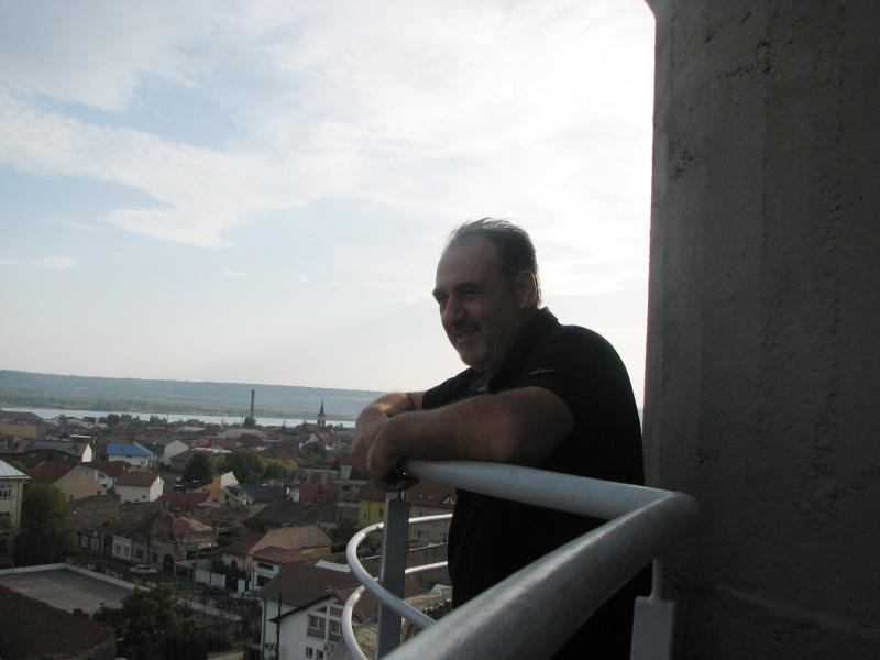 Dragan, admirând panorama Severinului, dar şi malul sârbesc, de la înălţimea turnului