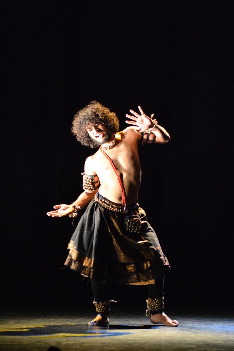 Macbeth Badya, în regia lui Manish Mitra