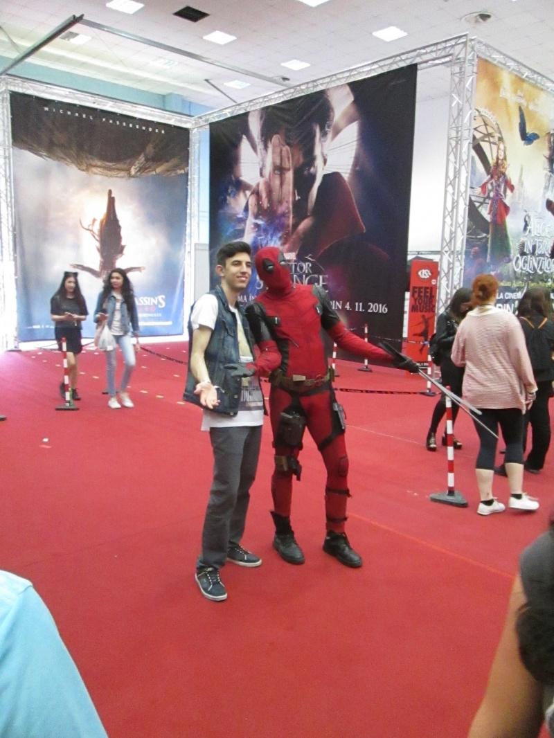 Sebastian se pozează cu... Deadpool!