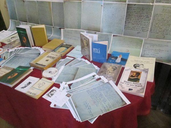 Expoziția de manuscrise în facsimil şi carte - Ştefan Petică