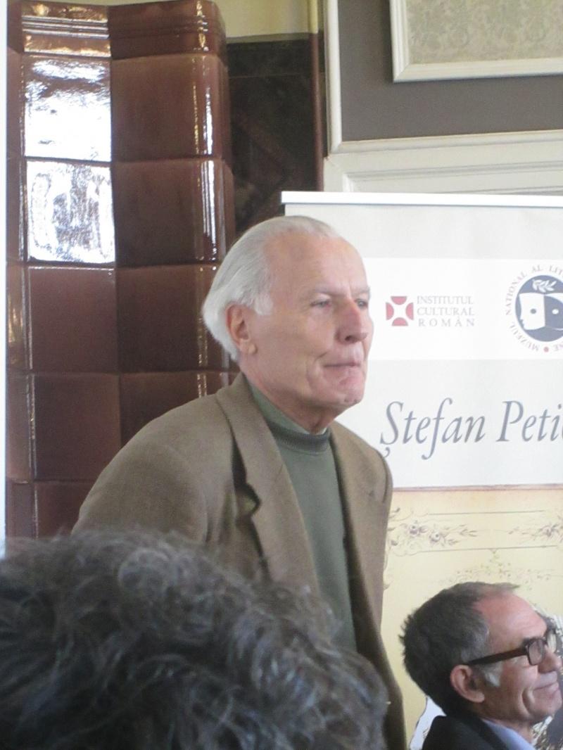"""Prof. Ștefan Andronache, director al Bibliotecii Municipale """"Ștefan Petică"""" Tecuci în perioada 1992-2003"""