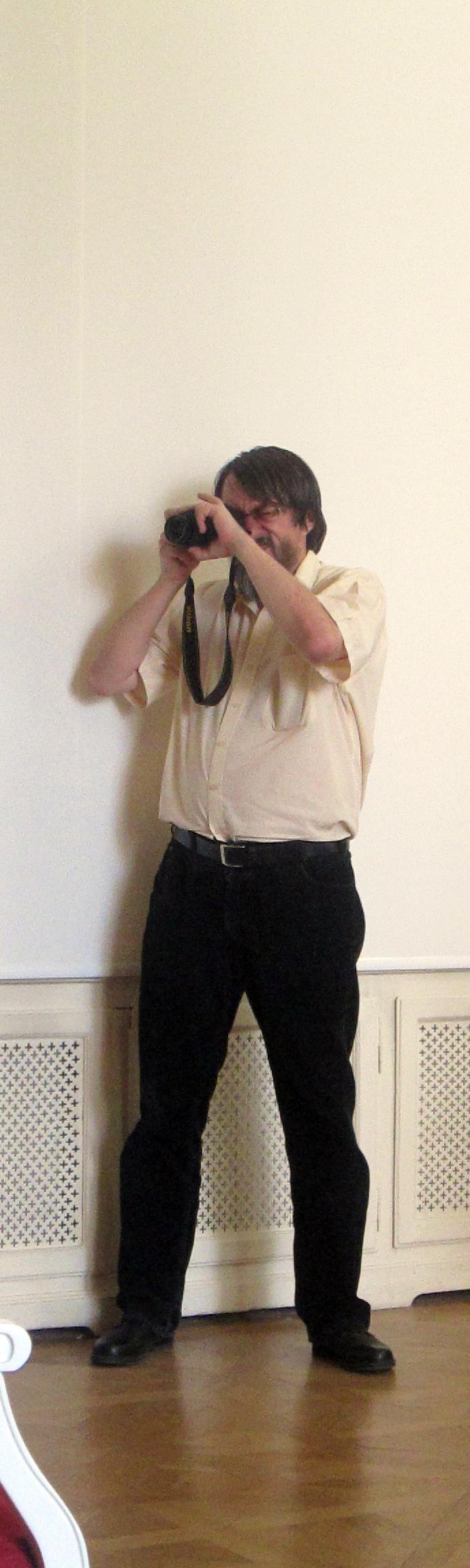 Marcel Răduț Seliște, pe post de arhivar de clipe.