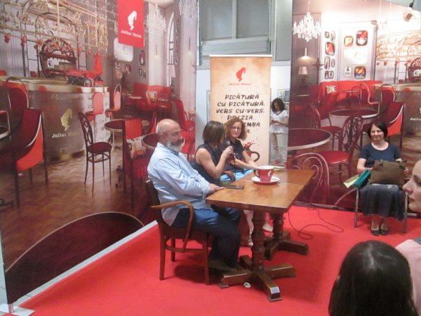 """Lansare de carte: """"Dărâmătoarele"""", de Oana Borviz. Valentin Ajder, Oana Fotache Dubălaru,Oana Borviz."""