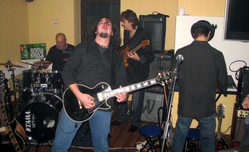 Alex Vişan performând Led Zeppelin