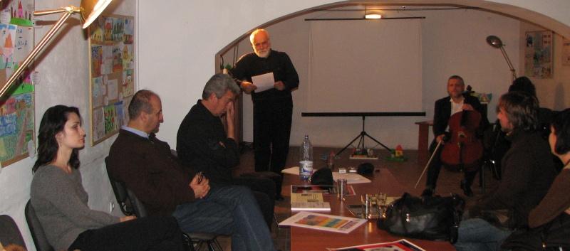 Marian Drăghici îşi recită în sfârşit poeziile
