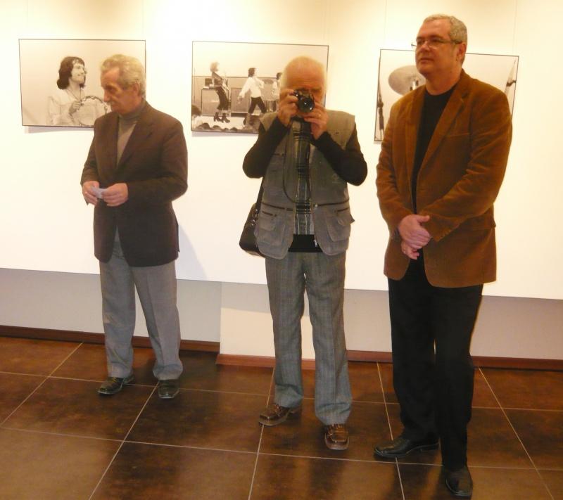 Fotograful fotografiat (vă aştept peste 35 de ani, la expoziţia Victor Boldâr care-mi va fi dedicată)