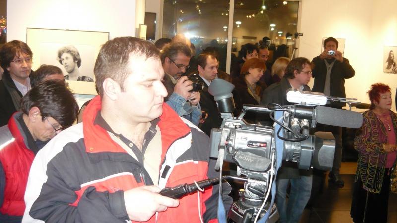 Fanii foto-arte-Phoenix şi presa audio-video