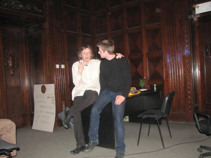 """Cenaclu ad-hoc: """"Ellison"""" dând sfaturi tânărului scriitor"""